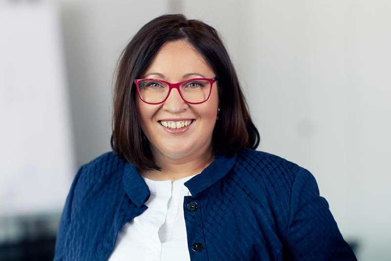Beata Schmidgall Ansprechpartnerin Auftragsbearbeitung EU