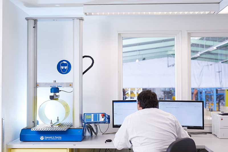 Prüfung der IMPREG Schlauchliner UV-Technologie auf Qualität und Sicherheit