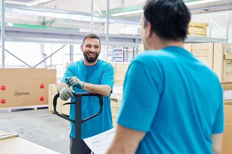 Lieferung und Versand mit UV-dichten Folien-zum Schutz vor Aushärtung