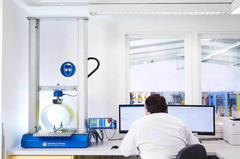 Pruefung Qualität und Sicherheit der IMPREG-Schlauchliner mit UV-Technologie zur Schlauchliner Sanierung
